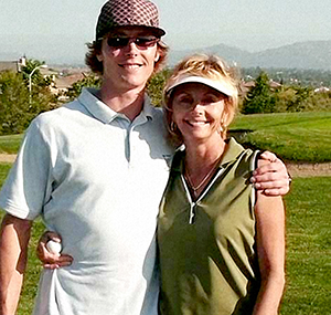 Andrea Barnes en haar zoon Dan