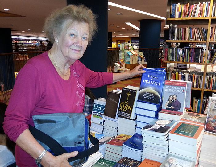 Irmeli Ivalo-Sjölie in Livraria Cultura