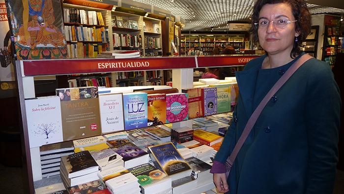 Olga Lopez à la FNAC