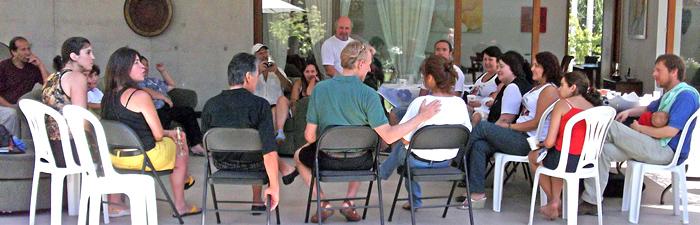 Discutindo os ensinamentos do <em>Livro de Urântia</em> com leitores de Santiago
