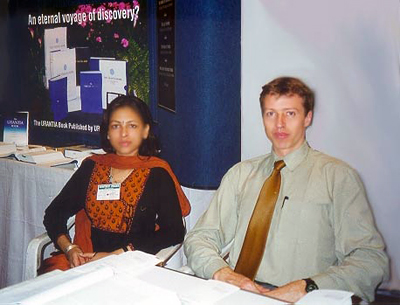 Shivli Sharma and Mark Bloomfield at the URANTIA Foundation booth during the book fair in India.