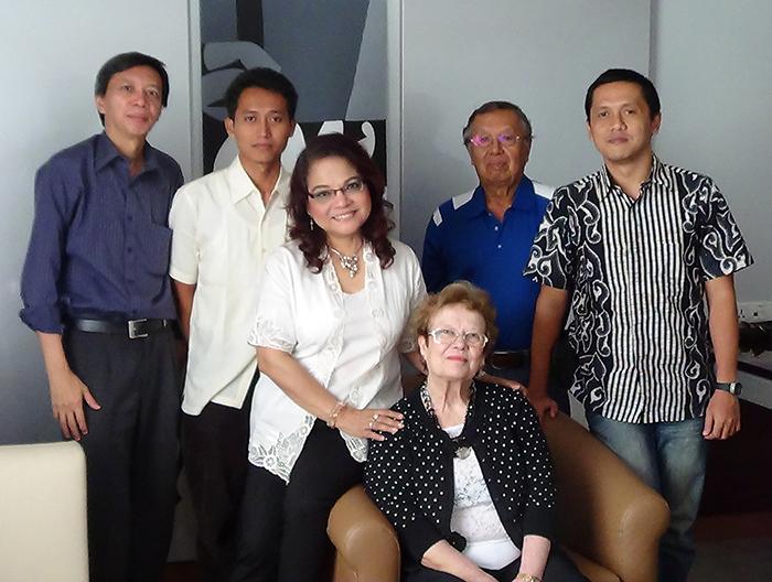 Widi Nogroho, Johan Niyadi, Intan Nugroho, A.M. Yusuf, Rahman Trimulyana, e Marlene Michelson-Dupont